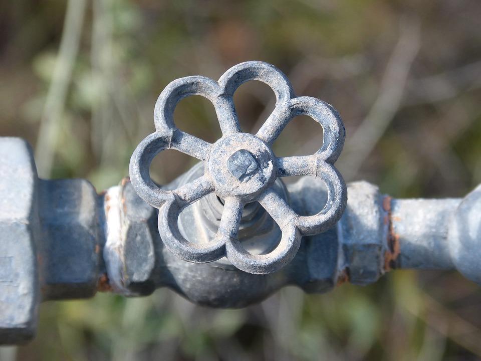 silver-pipe-knob