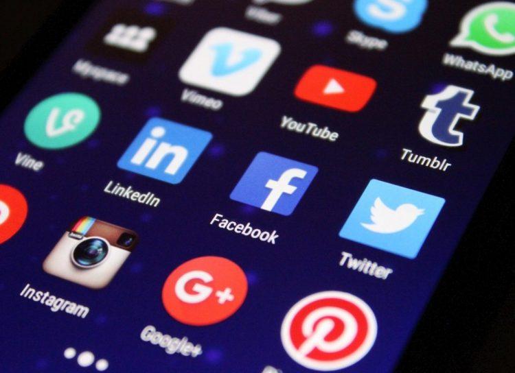 social media e1533000323204